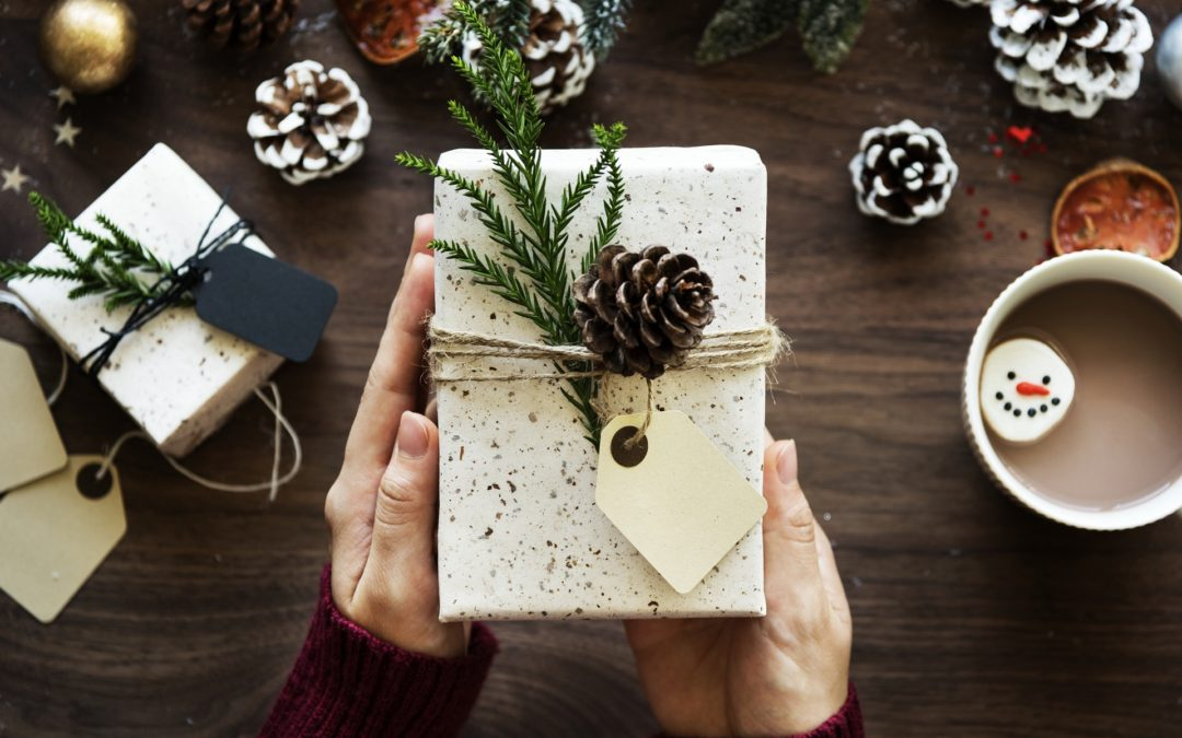 A Gift Guide for Real Moms: What To Buy The Mom In Your Life (32 Gifts She'll Actually Like)