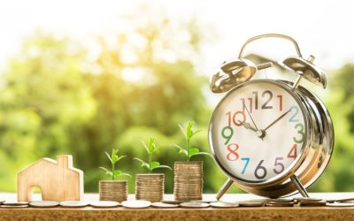 9 Easy Ways Minimalist Living Saves Us Money