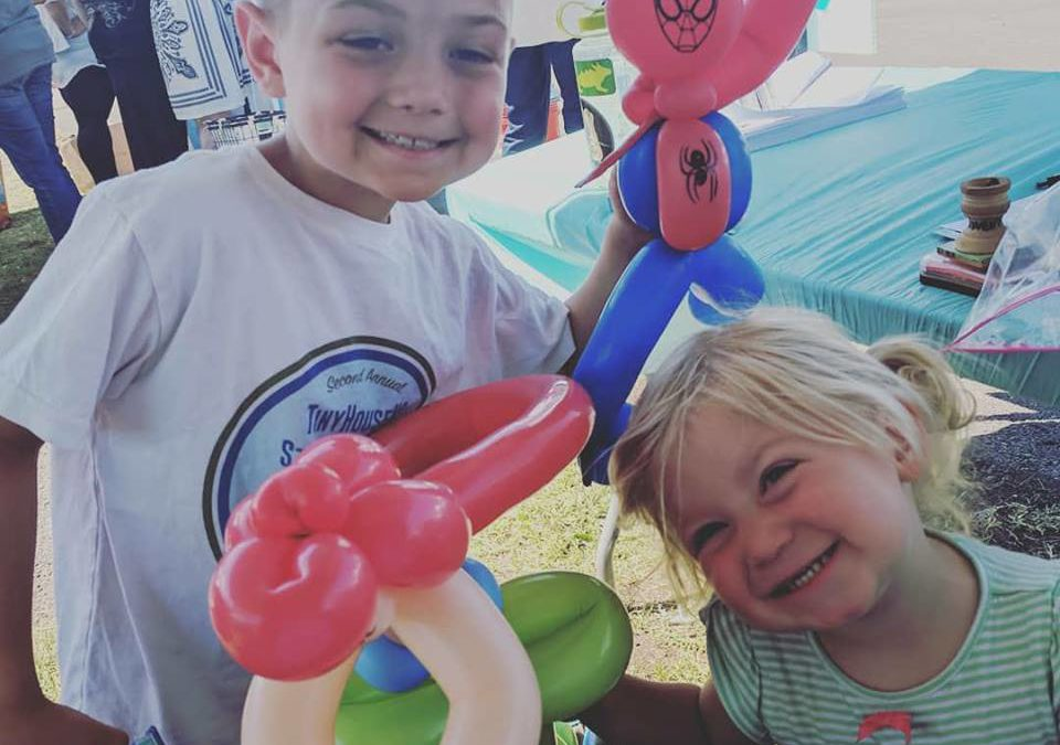 Surviving Simplified Living With Kids: 5 Must-Know Tips